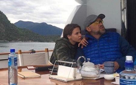 — Сергей Эдуардович, что вы делали на яхте Дерипаски?
